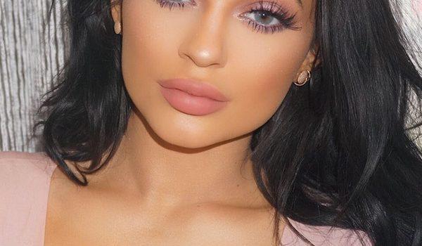 Cara Membuat Make-up Look yang Flawless bagi para Ladies di Luar sana , Yuk di Cek !!