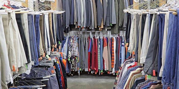 Tips and Trick Membeli Pakaian Bekas di Thrift Shop